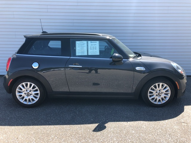 Pre-Owned 2015 MINI Cooper S Hardtop