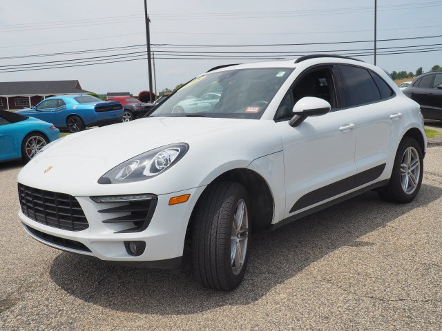 Certified Pre-Owned 2018 Porsche Macan AWD