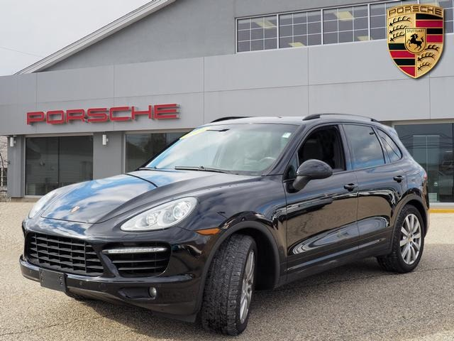 Pre-Owned 2014 Porsche Cayenne Turbo